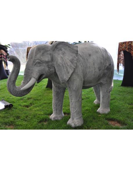 Eléphant en résine