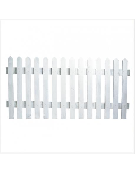 Barrières en bois blanches