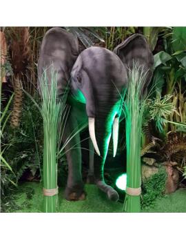 Petit éléphant en peluche