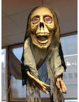 Monstre crâne suspendu