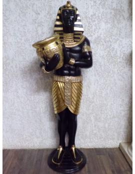 Statue Égyptien tenant un vase