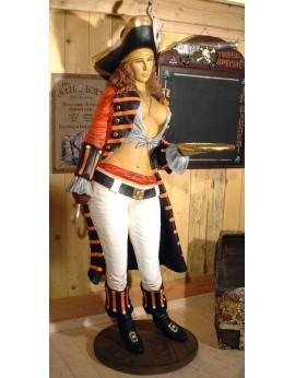 Statue serveuse pirate