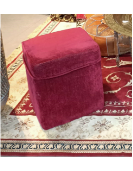 Pouf carré en velours rouge