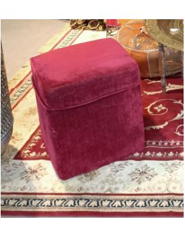 Pouf carré en velours rouge