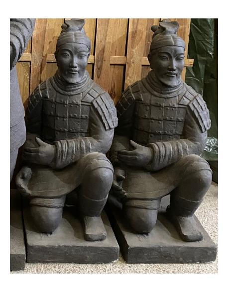 Petit samouraï assis