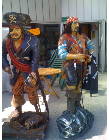 Location statue Pirate des Caraibes